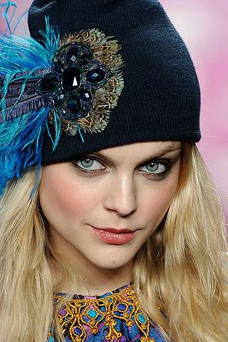 Шапки оптом Купить вязанные женские шапки, шляпы - Фабрика.