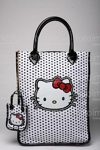 4. Любительницы милых, практически детских сумок с нарисованными героями...