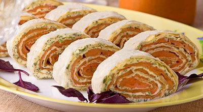 Холодные закуски с рыбой.  Ингредиенты: лаваш армянский (тонкий) - 1 шт...