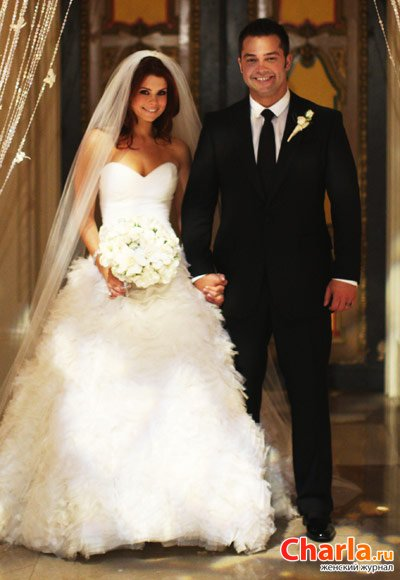 После своей свадьбы Джоанна заявила: «Вряд ли в мире найдется еще одно платье, которое я полюблю так, как полюбила свое свадебное»
