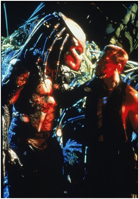 Изначально на роль хищника было решено пригласить Жан - Клода Ван Дамма
