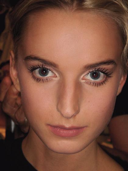 Почему у шлюх раскосые глаза