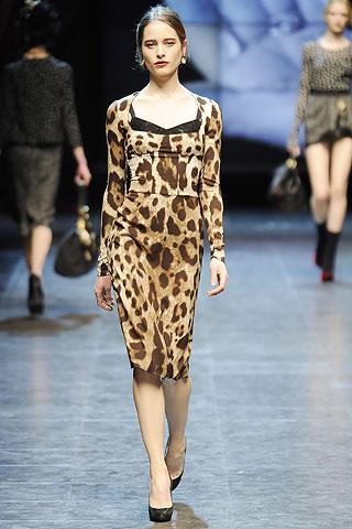 Дольче габбана леопард платье